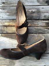 SOFTSPOTS Women's Size 12 M Chocolate Brown Suede Pumps Wedge Retro Flower Comfy