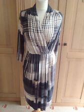 GORGEOUS PHASE EIGHT PATTERNED WRAP STYLE DRESS UK SIZE 12 WORN GOOD CONDITION
