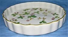 Wedgwood Wild Strawberry Bone China Made in England Quiche Dish