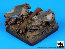 Blackdog Models CRACKED ROAD WITH PIPE FANTASY BASE Resin Display Base