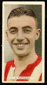 1934 ARDATH FAMOUS FOOTBALLERS STANLEY MATTHEWS ROOKIE CIGARETTE CARD