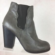 BETSEY JOHNSON B17 Nattalie Taupe Ankle Boot Shoe Block Heels Women's Sz 7 M