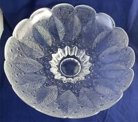 Vintage Leaf Leaves And Raindrops Crystal Bowl Scalloped Edge Footed Mint
