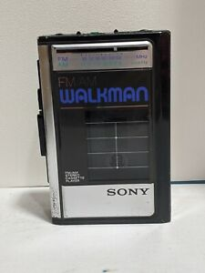 VINTAGE SONY AM/FM WALKMAN CASSETTE PLAYER MODEL WM-F41