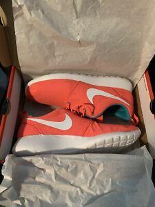 Women's Size 12 Nike Roshe HYPER PUNCH Pink 511882 Running Sneakers NEW IN BOX