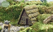 Miniature Dollhouse Village Medieval Hut  design  Grass thatched Roof Resin New