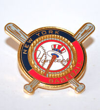MLB New York Yankees Crossed Bats Peter David Lapel Pin Yankee Top Hat Logo