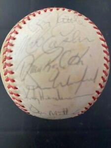 1980's NY YORK YANKEES Team Signed Baseball MATTINGLY - HENDERSON - WINFIELD