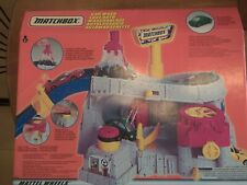 Matchbox 38122 Car Wash - Brand NEW from 1999 RARE
