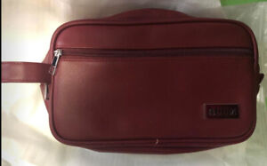 Toiletry Bag Unisex PU Leather Wine Red New in Packaging