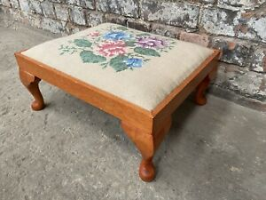 VINTAGE TAPESTRY WOODEN FOOTSTOOL ~ SHABBY CHIC