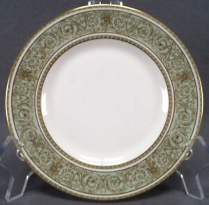 Set of 8 Royal Doulton English Renaissance Pattern Green & Gold Bread Plates