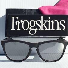 NEW* Oakley Frogskins Matte Black Frame w BLACK Iridium COVERT Sunglass 9013-50