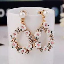 Zara Bianco Elegante Stile Barocco Fiori Bianco Perla Goccia Dangle Earrings-NUOVO
