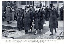 Roi Manuel v. portugal à la gare de rambouillet sur le chemin de la chasse 1910