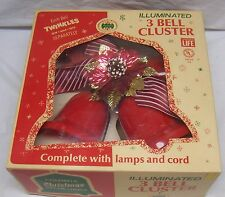 VINTAGE SET OF CHRISTMAS TWINKLING BELLS -  ILLUMINATED 3 BELL CLUSTER