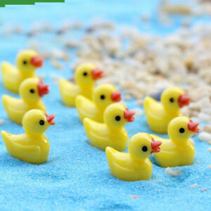 Cute Yellow Ducks 4pcs Resin Crafts Miniature Garden Terrarium Bonsai Decoration
