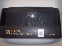 Wallet Ladies,  Stone Mountain Ludlow Large Zip Around Pebble Leather, Black,