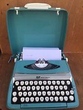 Vintage Smith Corona Corsair Deluxe Portable Typewriter & Hard Case Aqua Blue