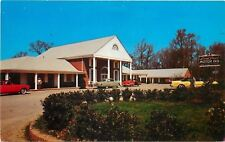 Williamsburg Virginia~Lord Paget Motor Inn~Red 1950s Convertible PC