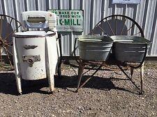 Vintage SPEED QUEEN Wringer Wash Machine MIDWEST Galvanized Rinse Tubs on Stand