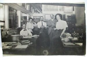 1913 REAL PHOTO POSTCARD INTERIOR OFFICE, WORKERS BY THEIR DESKS