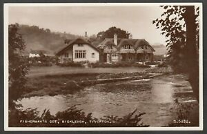 Postcard Bickleigh nr Tiverton Devon thatched Fisherman's Cot by river RP