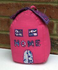 Maison rose forme butée de porte tissu avec brodé coeurs & maison commerce équitable neuf