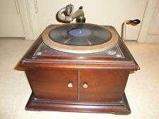 Victor VV-VI Hand Cranked Wood Disk Phonograph  Record Player Working