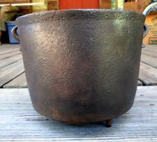 "SMALL ANTIQUE CAST IRON BEAN POT KETTLE 9 1/4"" WITH GATE MARK"