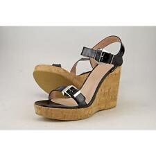 Calzado de mujer sandalias con tiras Stuart Weitzman charol