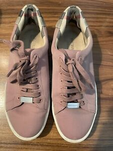 burberry Shoes size 37