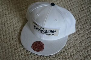 AWESOME Fitted Cap/Hat MITCHELL & NESS White w/Dark Navy Blue Trim 7 5/8 NEW