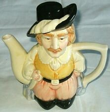 SMALL COLLECTABLE TEAPOT IN THE STYLE OF A TOBY JUG
