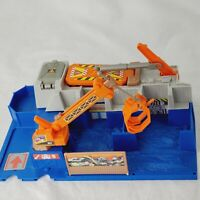 Hot Wheels City Car Crusher 1998 Mattel Playset Pre owned H9575