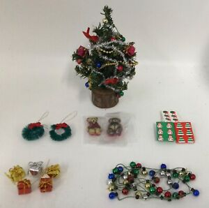 Dolls House Christmas Tree, Christmas Lights, Decorations and Accessories HAR