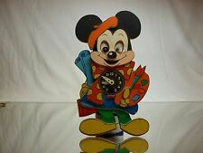 VINTAGE WOODEN DISNEY CLOCK MICKEY MOUSE as PAINTER - H20.5 cm RARE - GOOD