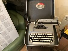 Vintage SMITH CORONA Portable type writer in case