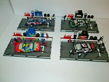1 Lot of 4 Pit stop Action Scenes, 1:64 Scale, 1998