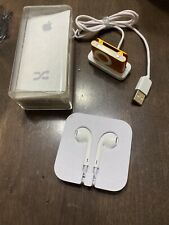 Apple iPod Shuffle 2nd Generation Orange Clip (1 GB) A1204 w/ Headphones Bundle