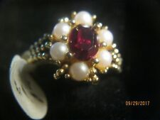 RING AVON ,GOLD TONE RED STONE WITH PEARLS