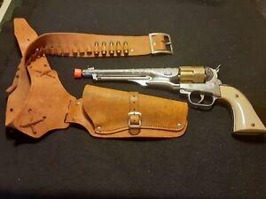 Hubley COLT 45 replica gun W/ Hollister & 11 Bullets.