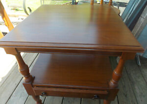 Solid Cherry Pennsylvania House End Table / Side Table