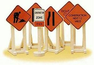 Lionel O or O27 6-32902 (6) Construction Zone Signs new in pack
