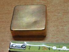 Antico PORTAPILLOLE PORTA PASTICCHE pillole in ottone bronzo quadrato da tasca
