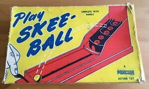 VINTAGE PENGUIN ACTION TOY (TRI-ANG) SKEE-BALL GAME
