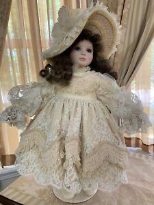 "Beautiful & EXTREMELY RARE ""Cheri"" Vlasta doll By Pat Thompson"