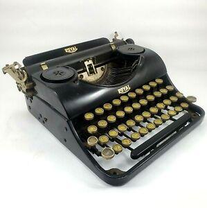 Vintage Typewriter ROYAL Portable 1935-37 JUNIOR No Case For Restoration