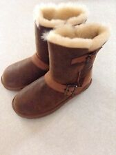 Ugg Australia Women's Classic Short Dylyn Boots Size 6 Brown Sheepskin NIB