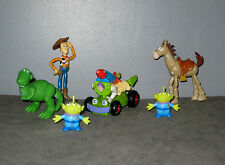 Lot de Figurines Toy Story - Buzz l'Eclair en Voiture /Woody/Pile Poil/Rex/Alien